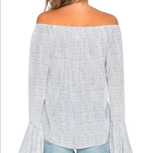 Stone Cold Fox Tops - Stone cold fox van blouse top